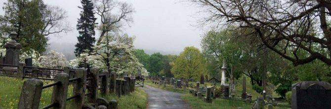 'Creepy' Sleepy Hollow Cemetery